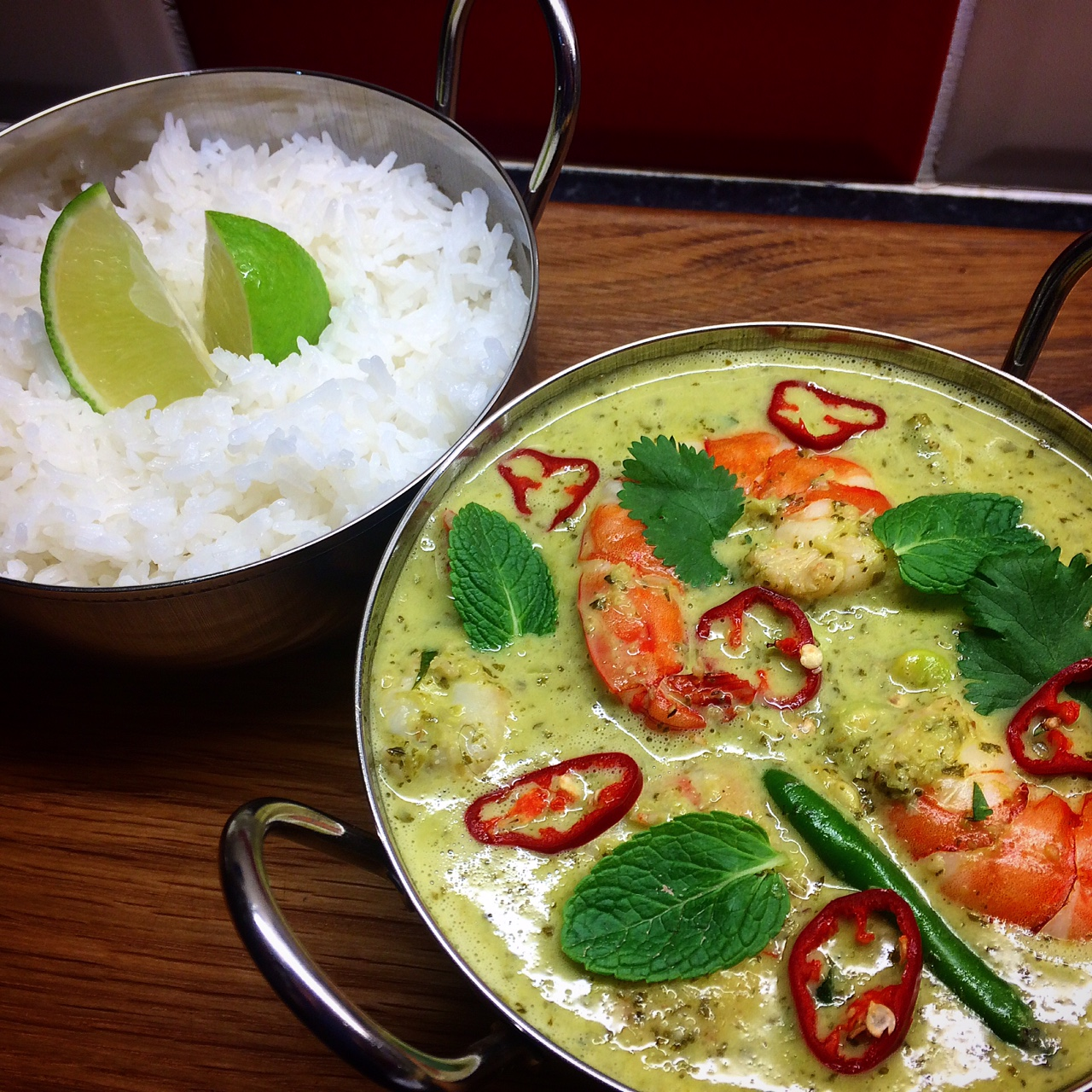 Thai Green King Prawn Curry | Ravenous Fox